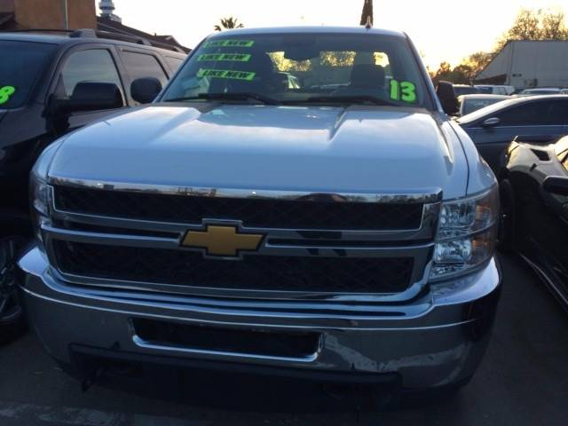 2013 Chevrolet Silverado 2500HD for sale at Los Primos Auto Plaza in Brentwood CA