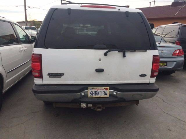 1998 Ford Expedition for sale at Los Primos Auto Plaza in Brentwood CA