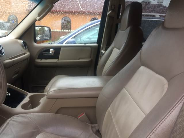2005 Ford Expedition for sale at Los Primos Auto Plaza in Brentwood CA