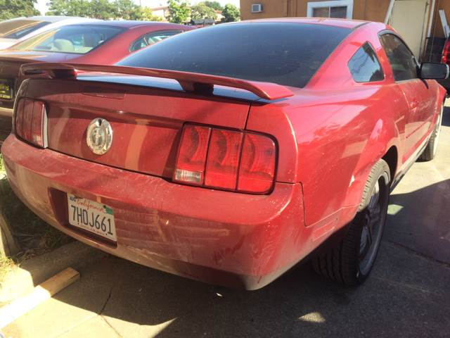 2006 Ford Mustang for sale at Los Primos Auto Plaza in Brentwood CA