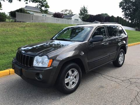 2005 Jeep Grand Cherokee for sale at KNS Auto LLC in Hasbrouck Heights NJ