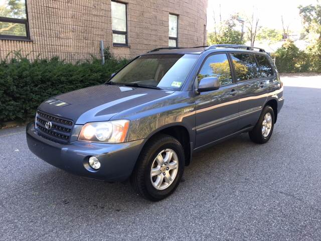 2002 Toyota Highlander for sale at KNS Auto LLC in Hasbrouck Heights NJ