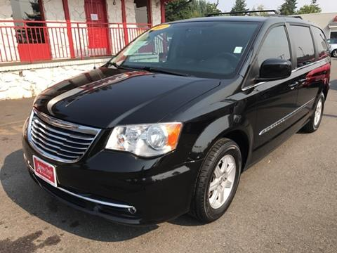 2011 Chrysler Town and Country for sale in Everett, WA