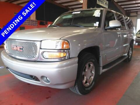 2005 GMC Yukon XL for sale at St. Croix Classics in Lakeland MN