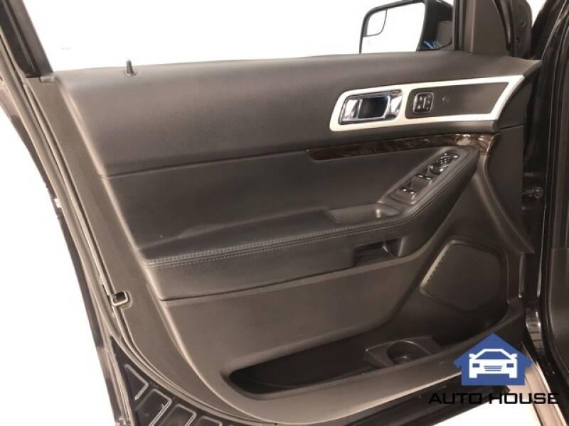 2015 Ford Explorer Limited (image 6)