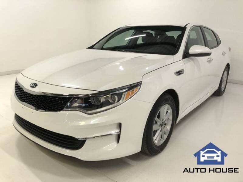 2018 Kia Optima for sale at Auto House Phoenix in Peoria AZ
