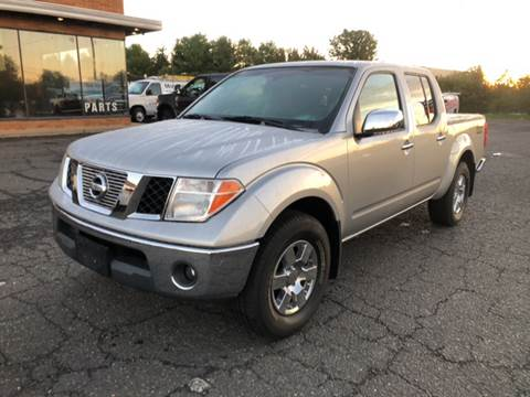 2006 Nissan Frontier for sale at COLONIAL MOTORS in Branchburg NJ