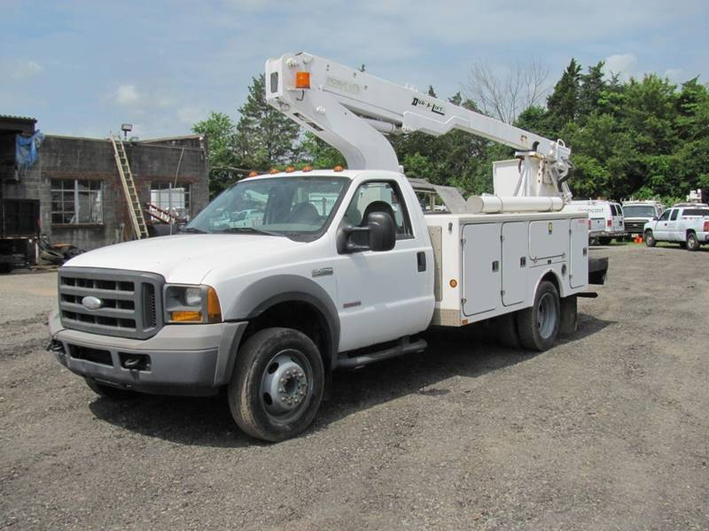 2005 Ford F-450 for sale at COLONIAL MOTORS in Branchburg NJ