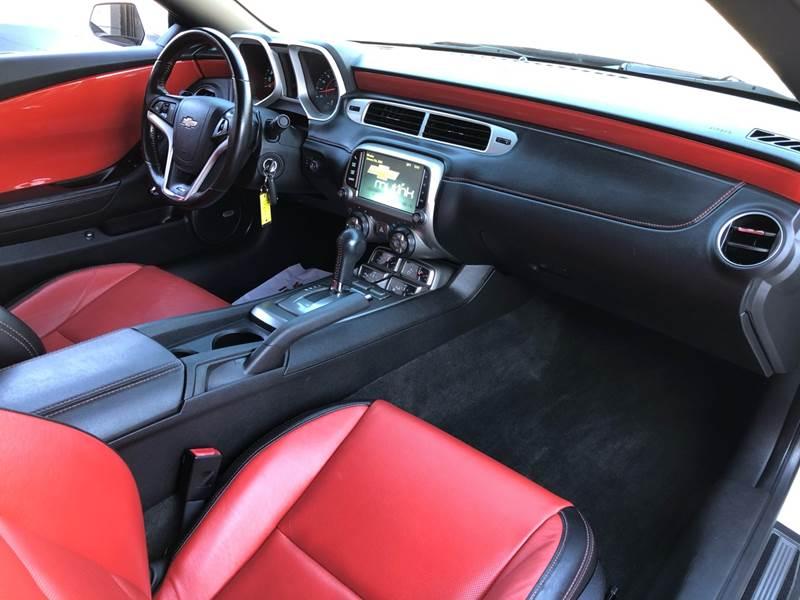 2014 Chevrolet Camaro SS (image 25)