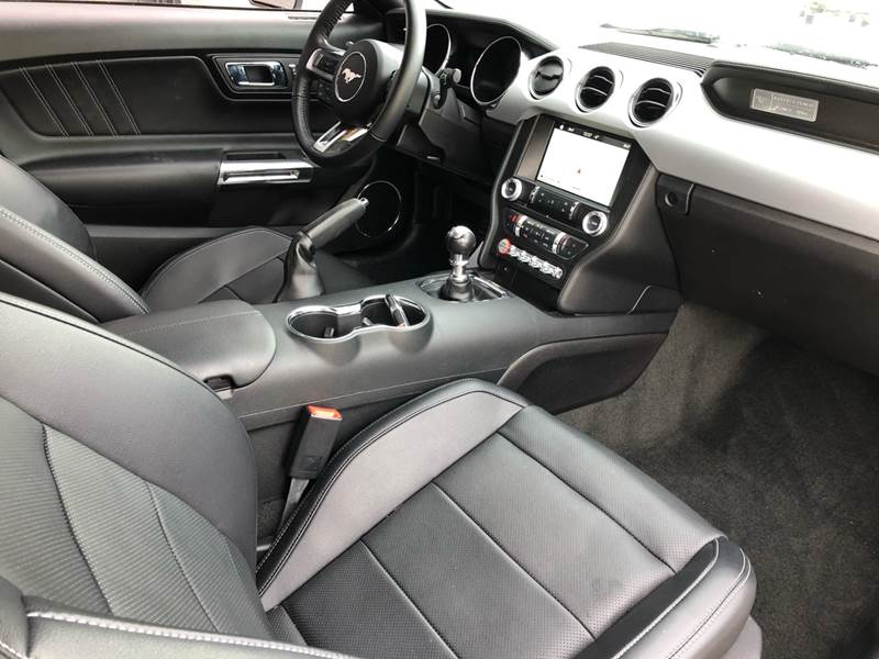 2017 Ford Mustang GT Premium (image 6)