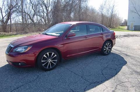 2013 Chrysler 200 for sale in Grand Rapids, MI