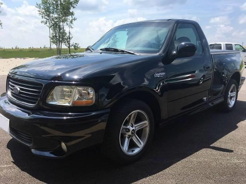 2001 Ford F-150 SVT Lightning for sale at Gary Miller's Classic Auto in El Paso IL