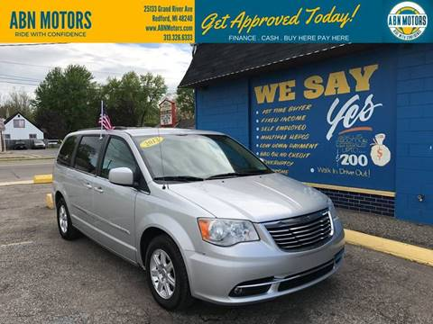 2012 Chrysler Town and Country for sale in Redford, MI