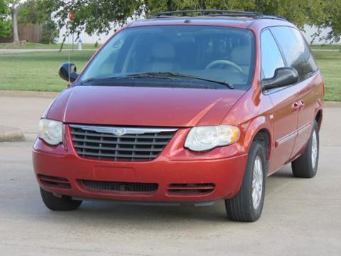 2006 Chrysler Town and Country for sale in Richardson, TX