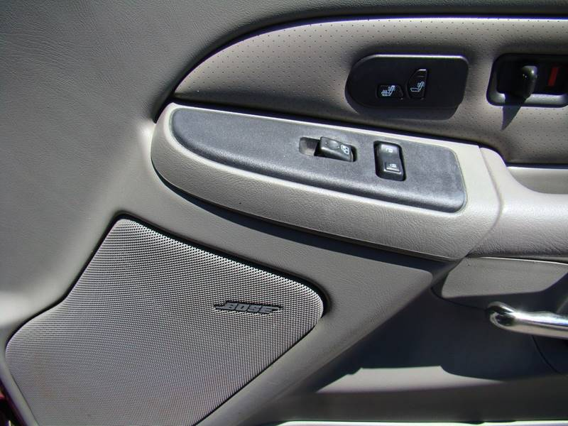 2005 Cadillac Escalade for sale at GATEWAY AUTO in Lakewood CO