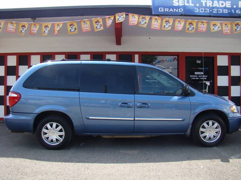 2007 Chrysler Town and Country for sale at GATEWAY AUTO in Lakewood CO