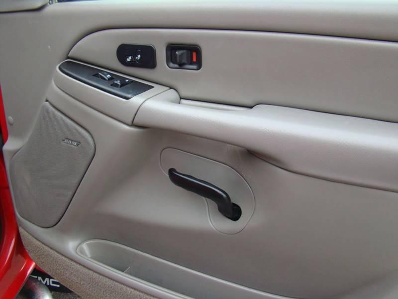 2004 GMC Sierra 2500HD for sale at GATEWAY AUTO in Lakewood CO