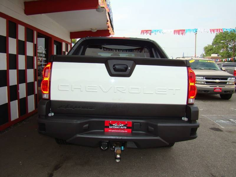 2004 Chevrolet Avalanche for sale at GATEWAY AUTO in Lakewood CO