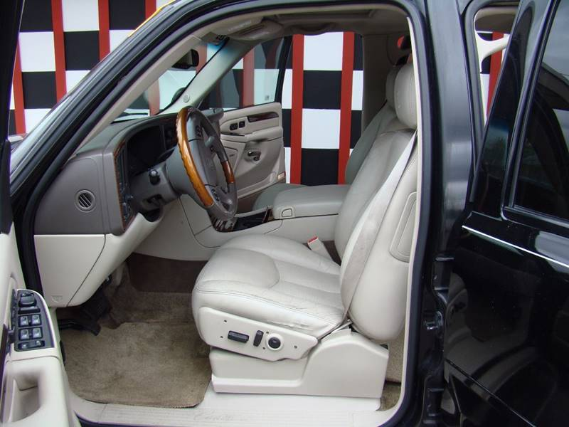 2003 Cadillac Escalade for sale at GATEWAY AUTO in Lakewood CO