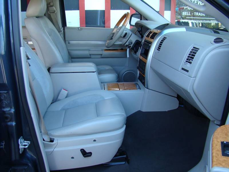 2007 Chrysler Aspen for sale at GATEWAY AUTO in Lakewood CO