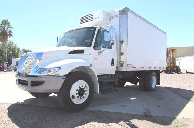 2007 International 4300 for sale at Ray and Bob's Truck & Trailer Sales LLC in Phoenix AZ