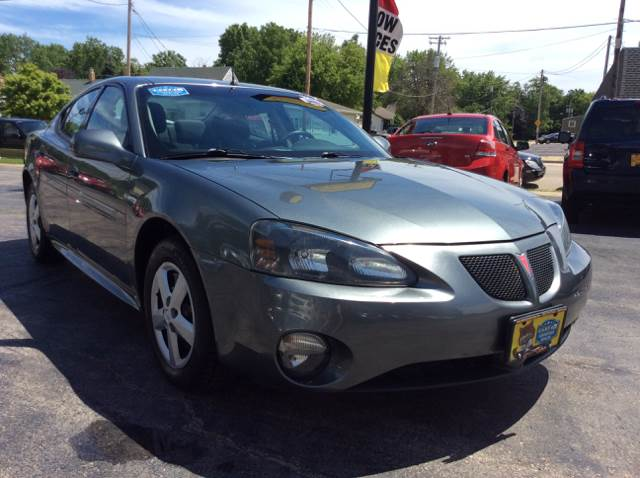 2005 Pontiac Grand Prix for sale at COMPTON MOTORS LLC in Sturtevant WI