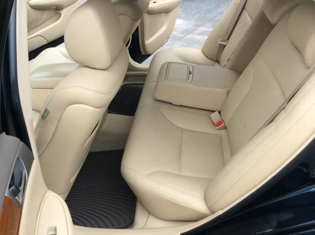 2005 Lexus ES 330 for sale at COMPTON MOTORS LLC in Sturtevant WI