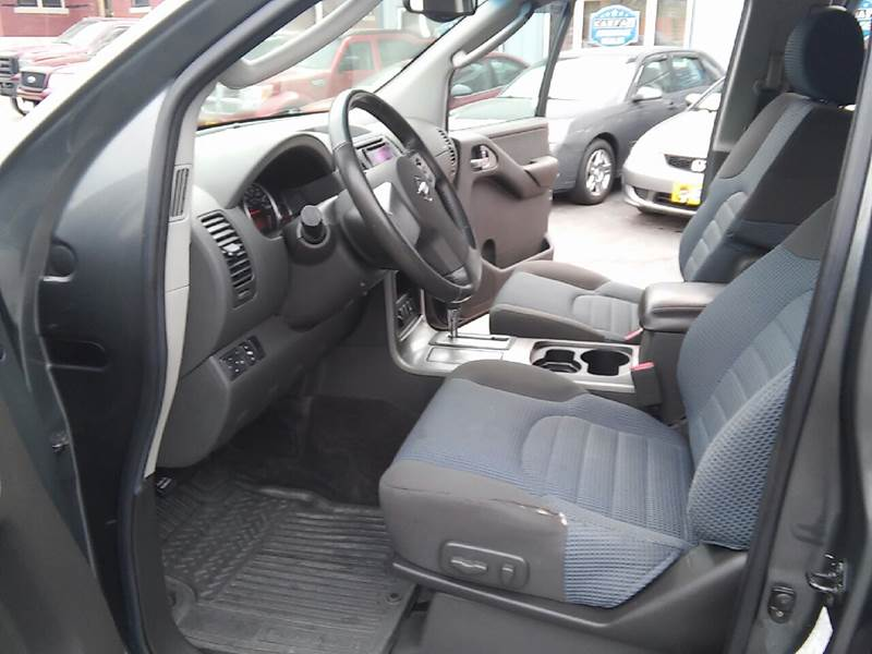 2005 Nissan Pathfinder for sale at COMPTON MOTORS LLC in Sturtevant WI