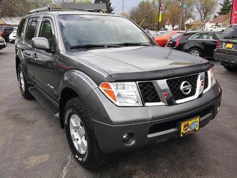 2005 Nissan Pathfinder for sale at COMPTON MOTORS LLC in Sturtevant WI