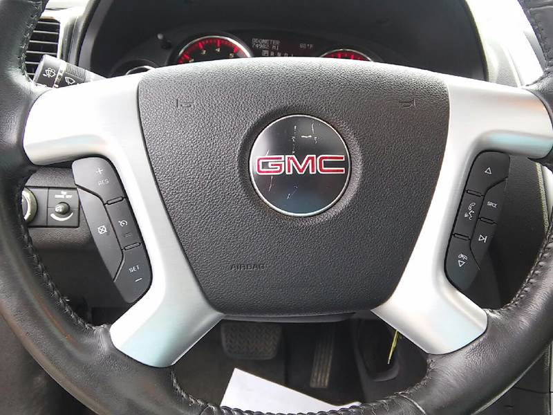 2010 GMC Acadia for sale at COMPTON MOTORS LLC in Sturtevant WI