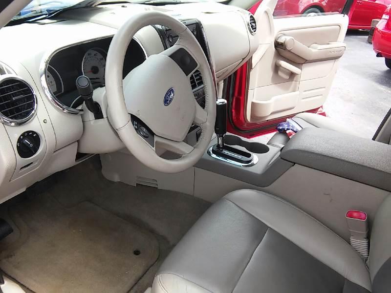 2007 Ford Explorer for sale at COMPTON MOTORS LLC in Sturtevant WI