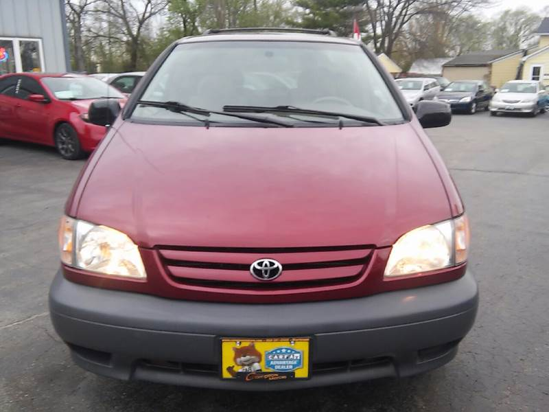 2002 Toyota Sienna for sale at COMPTON MOTORS LLC in Sturtevant WI