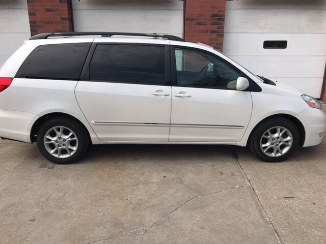 2006 Toyota Sienna for sale at David's Auto Sales in Akron OH