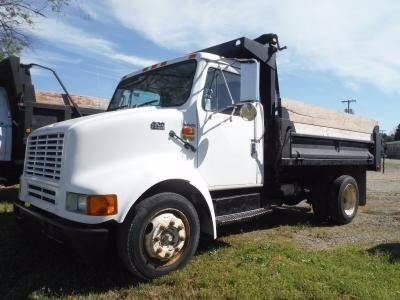 1996 International 4700 for sale in Warsaw VA