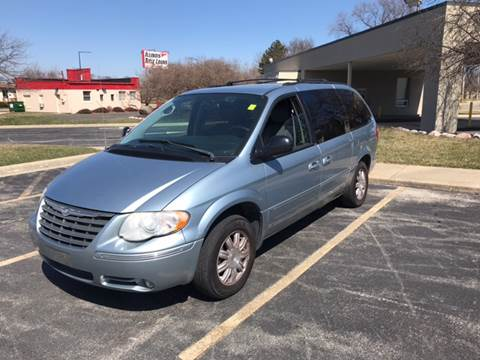 2005 Chrysler Town and Country for sale at Peak Motors in Loves Park IL