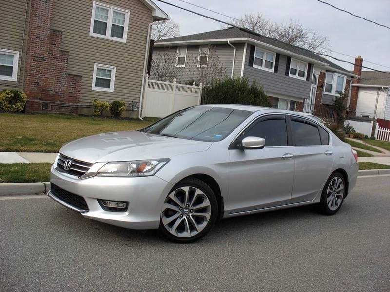 2013 Honda Accord for sale at EUROTECH AUTO CORP in Island Park NY