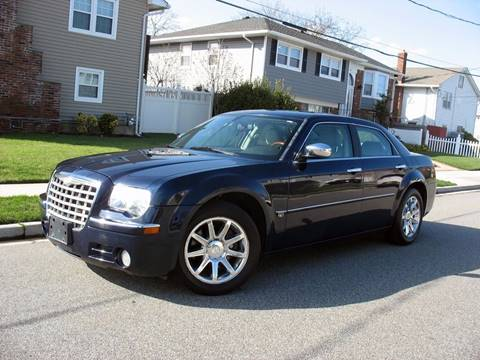 2005 Chrysler 300 for sale at EUROTECH AUTO CORP in Island Park NY