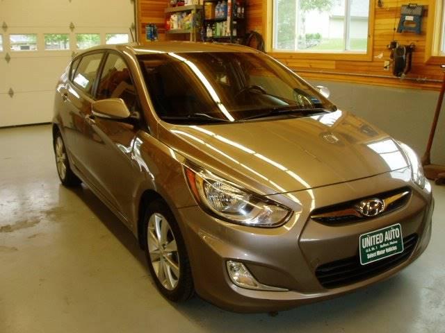 2013 Hyundai Accent SE 4dr Hatchback - Belfast ME