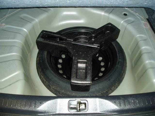 2010 Nissan Sentra 2.0 SR 4dr Sedan - Belfast ME