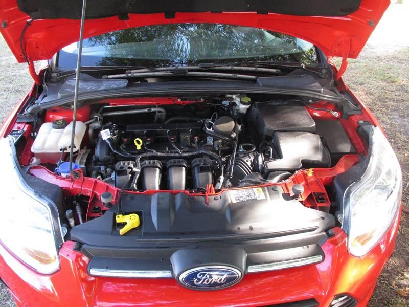 2014 Ford Focus SE 4dr Hatchback - Belfast ME