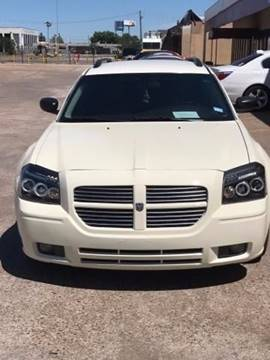 2006 Dodge Magnum for sale at R&T Motors in Houston TX