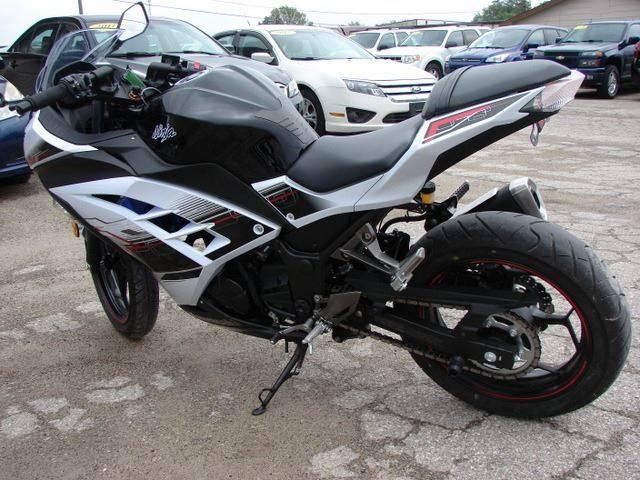 2014 Kawasaki Ninja 300 Se Abs In Berne In Lehmans Automotive
