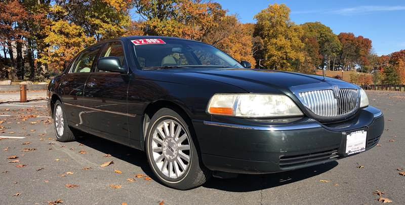 2003 Lincoln Town Car Signature In Hillside Nj Lenders Auto Group