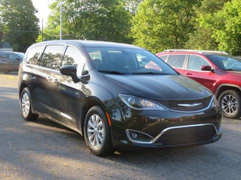 2019 Chrysler Pacifica for sale in Lowell, MI