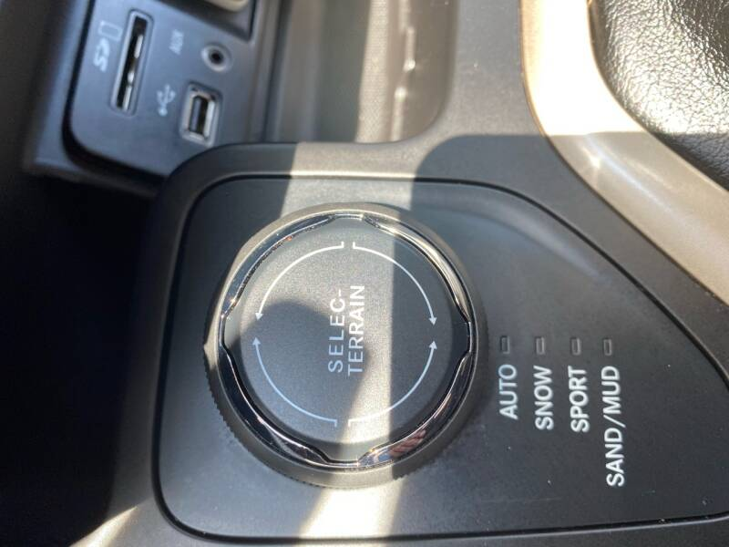 2016 Jeep Cherokee LATITUDE - South Darthmouth MA