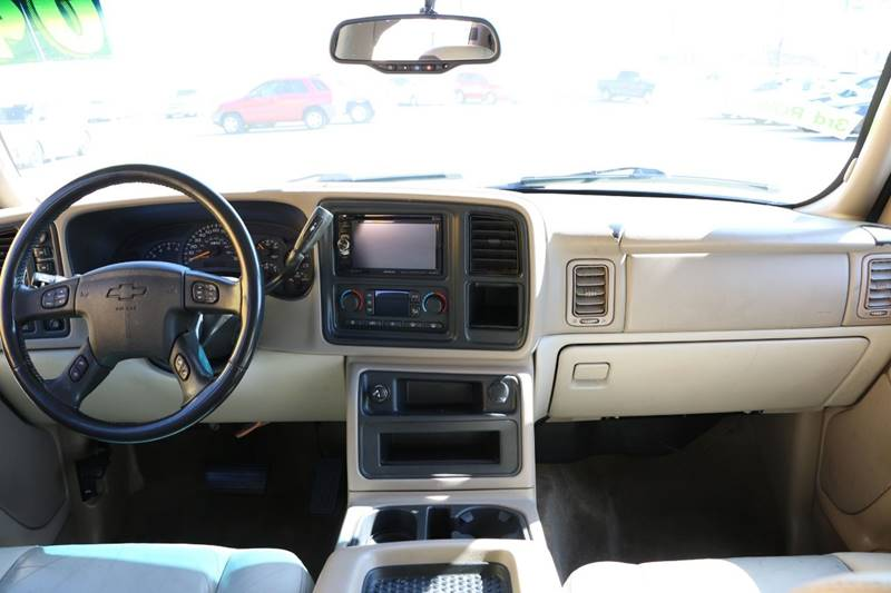 2004 Chevrolet Suburban for sale at Super Auto Sales in Las Vegas NV
