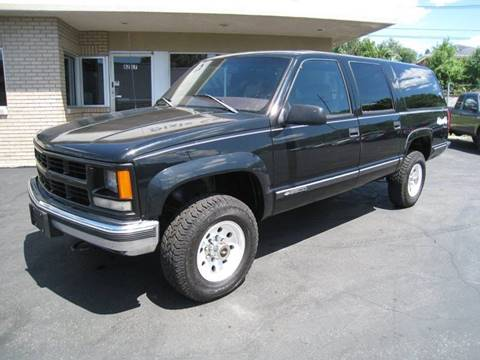 1999 Chevrolet Suburban for sale at Dixie Car Sales in Louisville KY