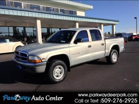 2000 Dodge Dakota for sale at PARKWAY AUTO CENTER AND RV in Deer Park WA