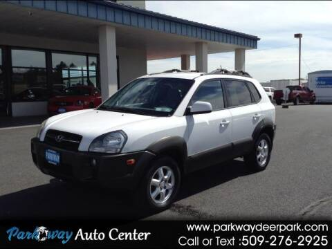 2005 Hyundai Tucson for sale at PARKWAY AUTO CENTER AND RV in Deer Park WA