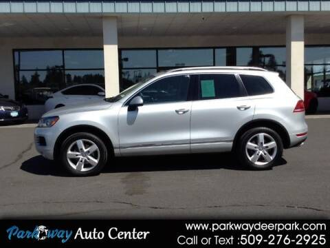 2012 Volkswagen Touareg for sale at PARKWAY AUTO CENTER AND RV in Deer Park WA